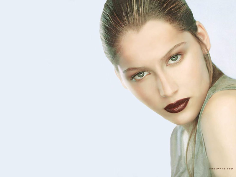 laetitia casta hot wallpapers. Laetitia Casta Wallpapers